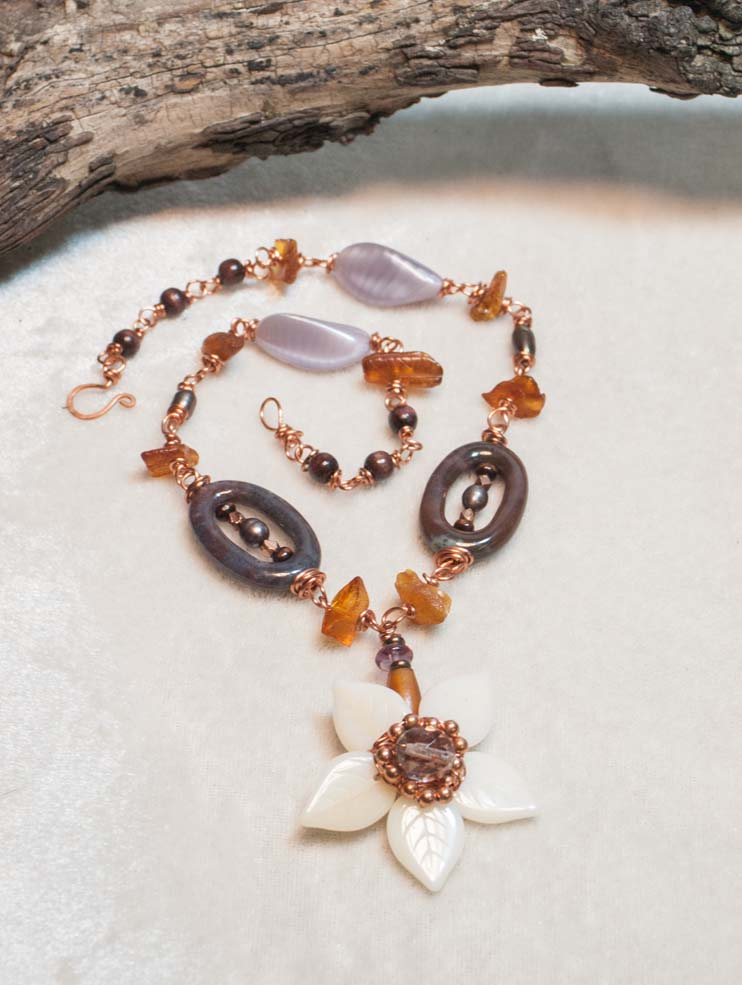 Bloom of the Autumn Waves Necklace
